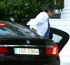 Σαμαράς βγαίνει από BMW