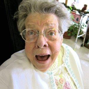 Εικόνα Γιαγιά σε έκπληξη