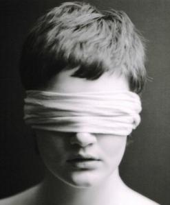Εικόνα Δεμένα Μάτια-1