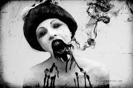 Αιμοσταγής Γυναίκα